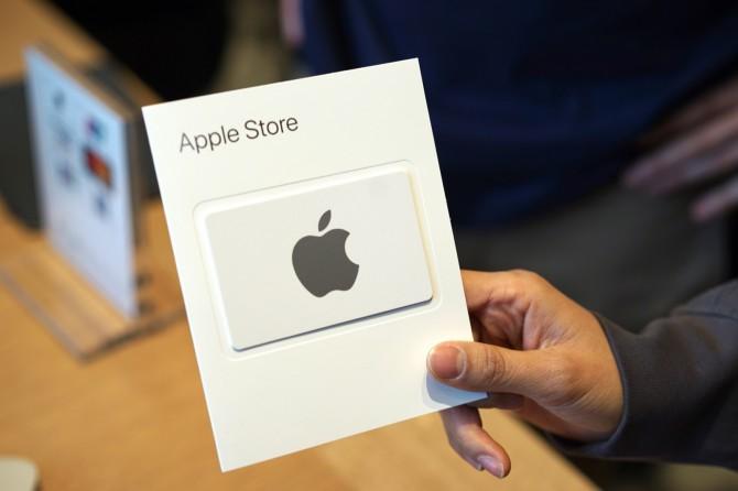 애플스토어가 들어온 만큼 기기를 구입할 수 있는 애플 기프트카드도 판매됩니다. - 최호섭 제공